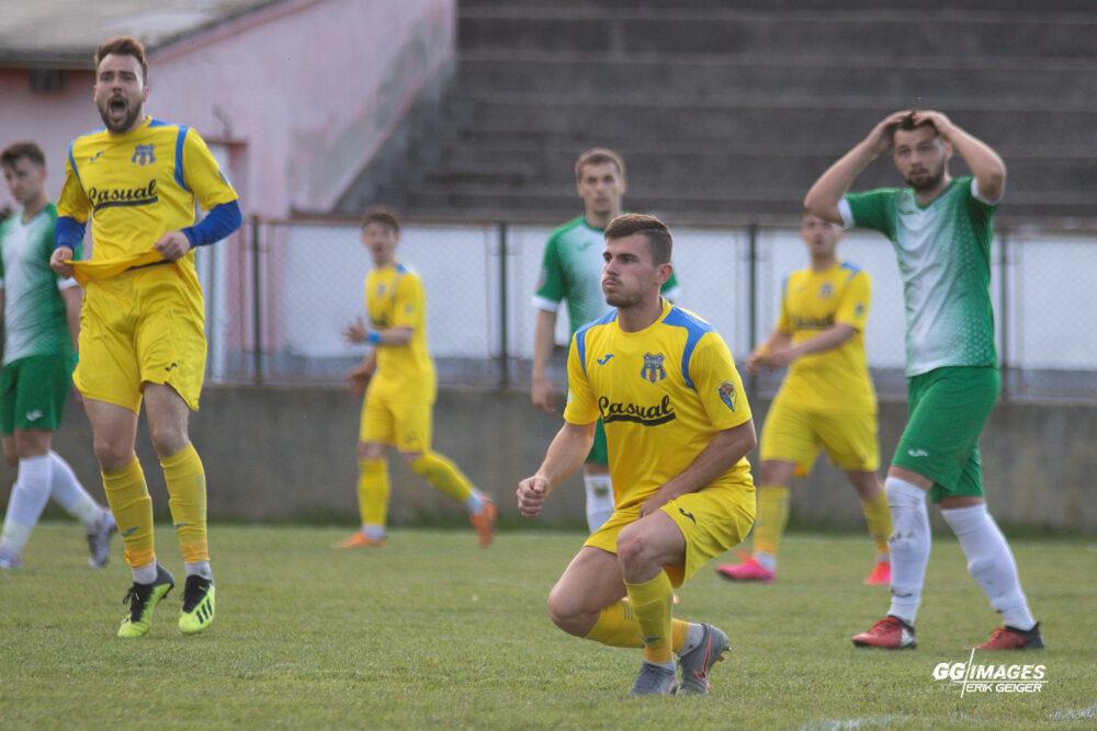 Olimpia Satu Mare s-a calificat in semifinalele campionatului judetean (Foto)