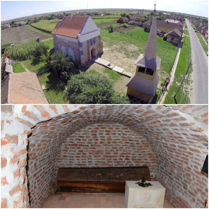 Cripta de sub Biserica Reformata din Ciumesti. S-au descoperit zeci de sicrie (Foto)
