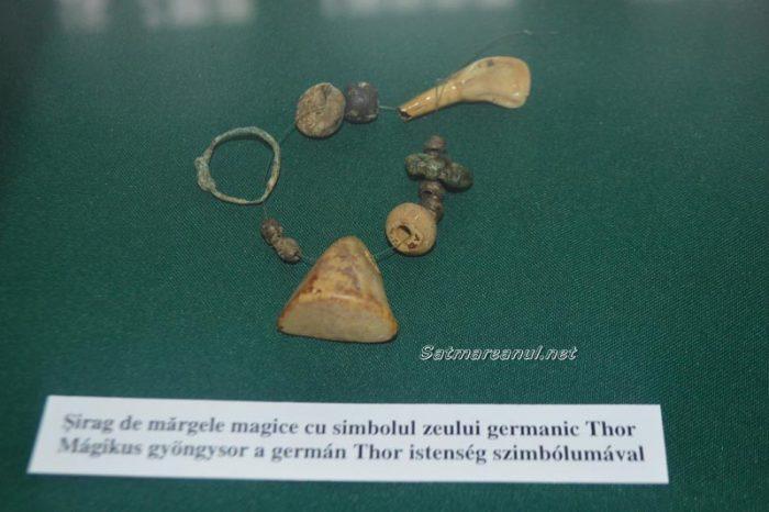 """Ce au căutat vikingii pe meleagurile Satmarene ? Si-au lasat """"amprenta"""" pe un sirag de margele (Foto)"""