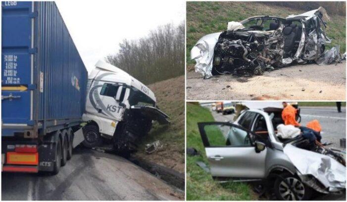 TIR românesc, implicat într-un accident înfiorător în Franta. O șoferiță a murit pe loc (Foto)