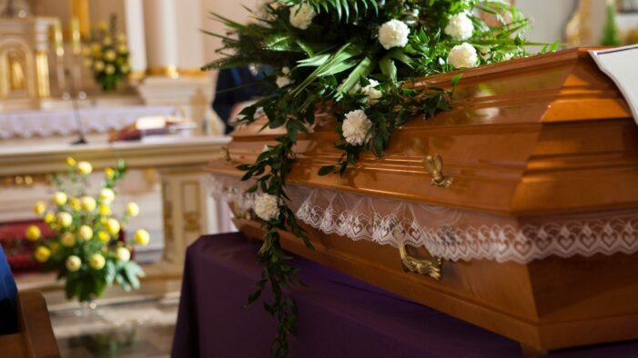 Raed Arafat: Înmormântările vor putea fi efectuate normal