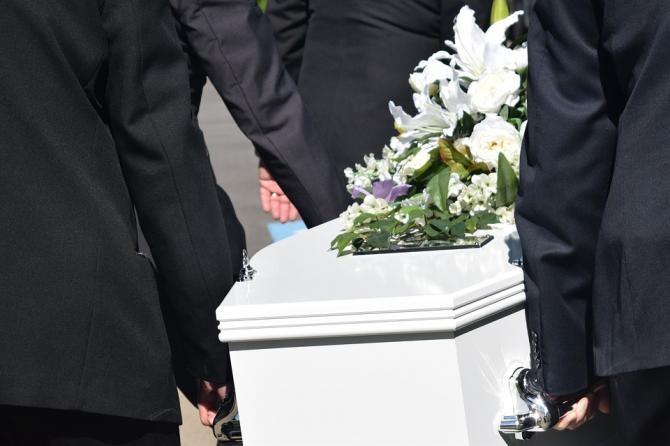 Se schimbă regulile. Cum se vor face inmormantarile ?