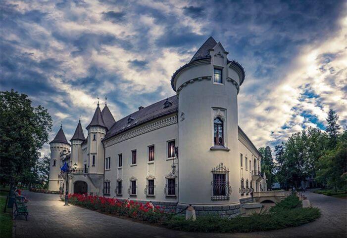 Castelul din Carei redevine o atracție pentru vizitatori