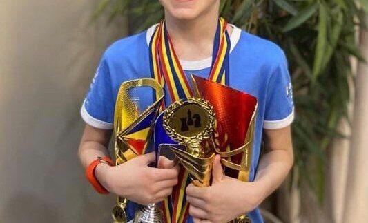 Trei titluri de vicecampion și o medalie de bronz, pentru un sahist din Satu Mare