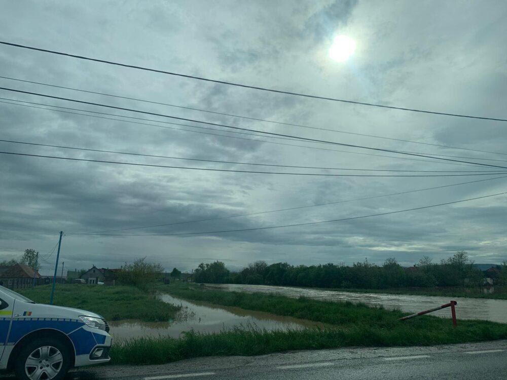 Cod rosu in judet ! Inundatii in mai multe localitati ! (Foto)