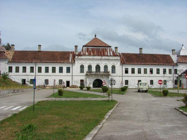 """Proprietarii Hotelului """"Dacia"""" au cumpărat și Castelul Wesselényi de la Jibou"""