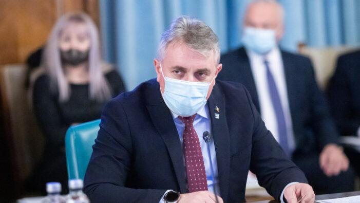 Ministrul de Interne: Vom propune renunțarea la mască în stațiunile de la mare și de la munte