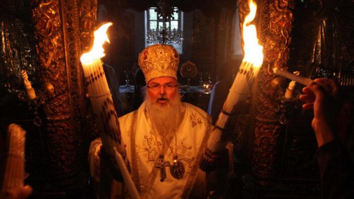 Lumina Sfântă s-a aprins la Sfântul Mormânt din Ierusalim