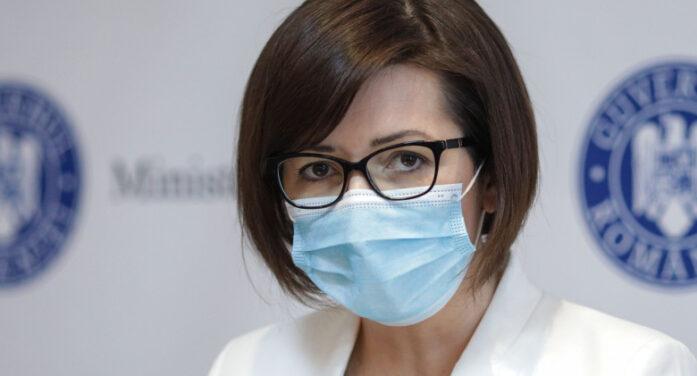 Elevii vor purta mască de protecție în interiorul școlilor și anul școlar viitor