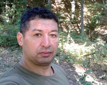 Bărbatul împușcat în cap la o vânătoare a murit