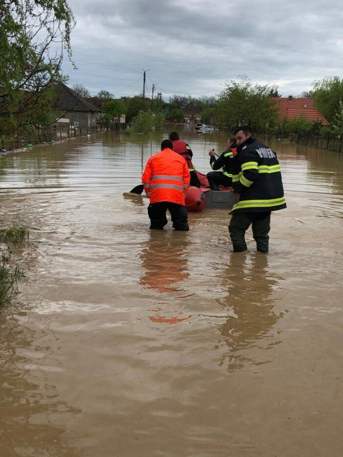 Pagubele produse de inundatii se ridica la peste 2,5 milioane de lei !