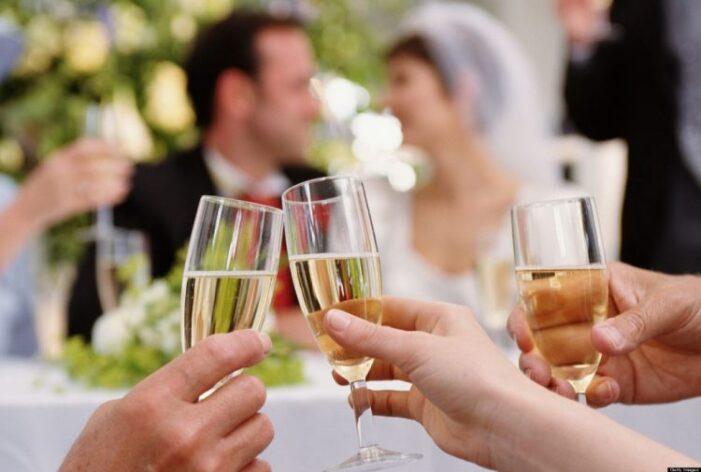 Măsuri de relaxare de la 1 august. Ce se întâmplă cu nunțile și botezurile