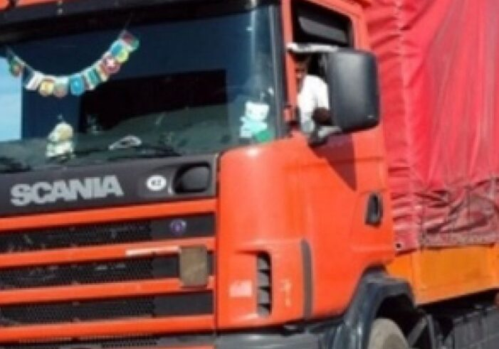 Accident in Ardud. Circulatia blocata din cauza unui TIR