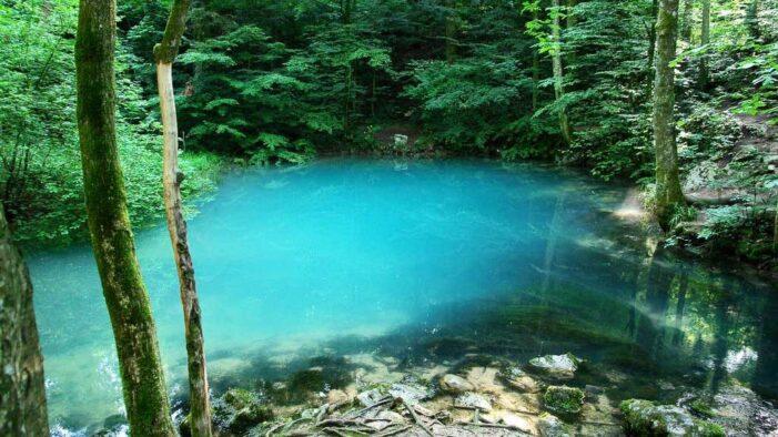 Lacul Albastru, bijuteria naturii din Maramures. Merita vizitata (Foto)