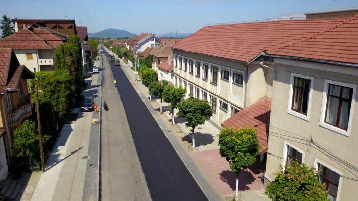 Lucrări de modernizare pe o strada din Negresti. Investitie de peste 2,5 milioane de lei (Foto)