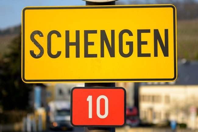 Comisia Europeană cere admiterea României în Schengen