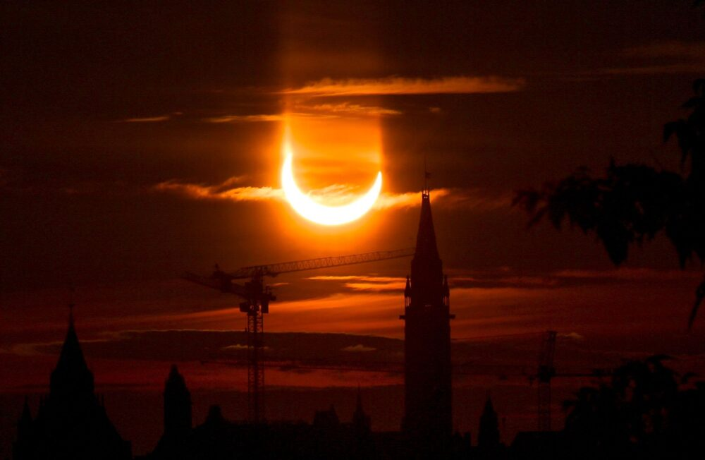 Cum s-a văzut prima eclipsă de Soare din 2021 în lume ?