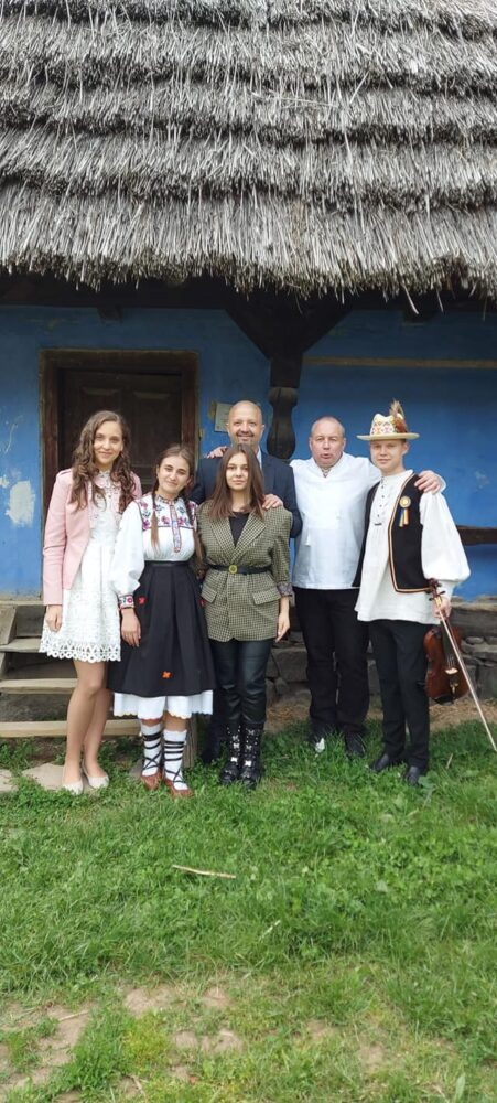 Spectacol la Muzeul Satului din Baia Mare (Foto)