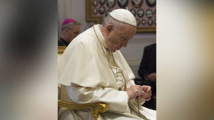 Papa revizuieşte legea Bisericii Catolice. Măsuri aspre pentru cei care abuzează minori