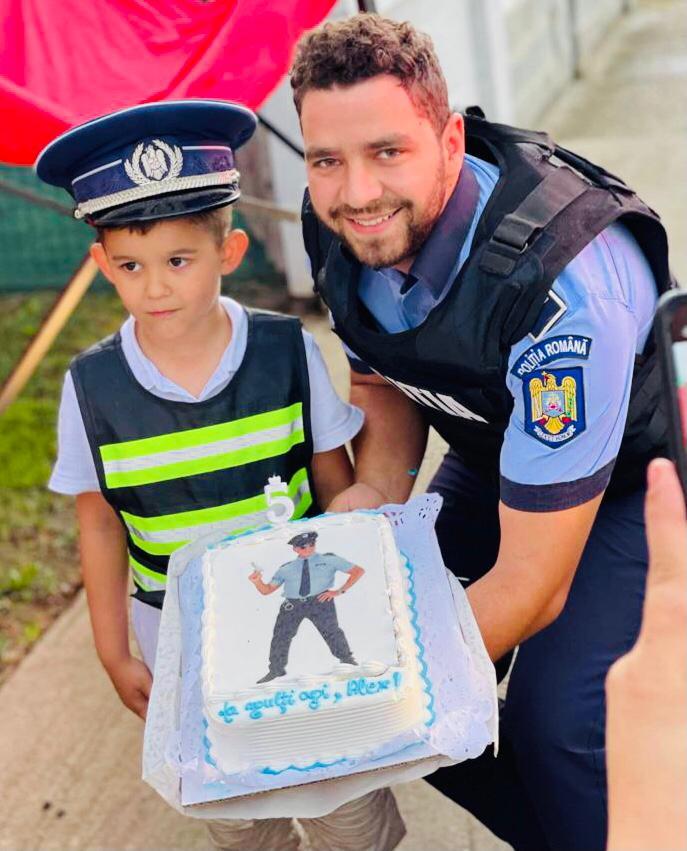 Povestea lui Alex ! Un copilas de doar 5 anisori care visează sa devină polițist ! (Foto)