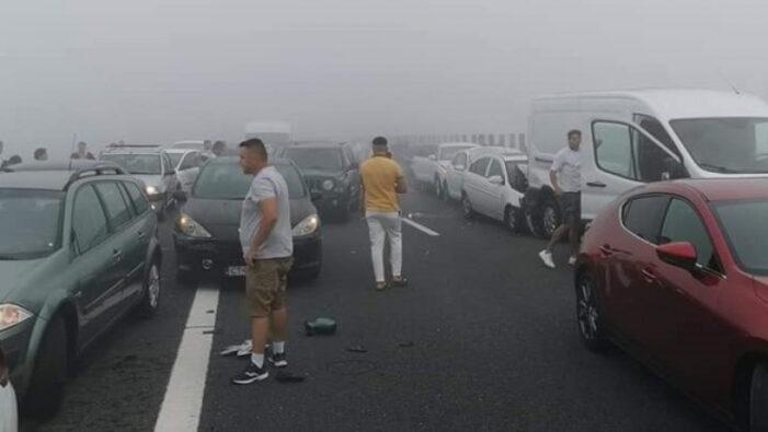 Carambol pe Autostrada Soarelui. Zeci de masini implicate (Foto)