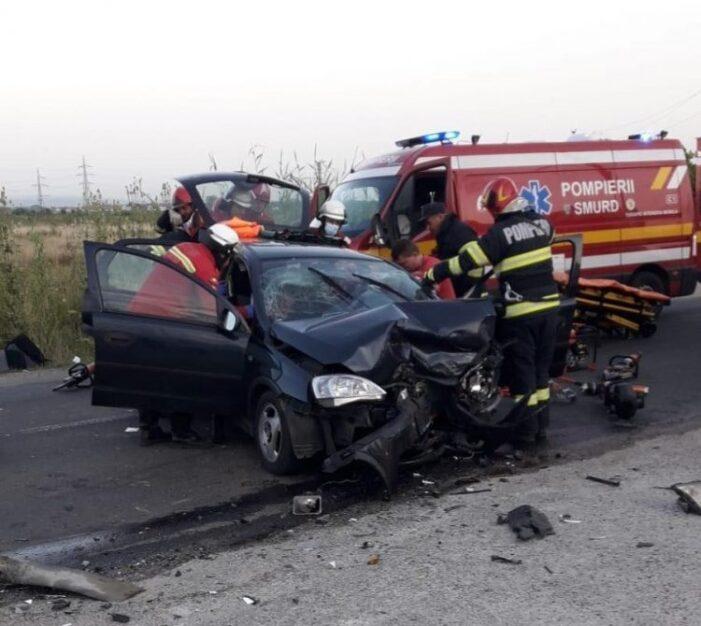 Accident cu doua victime. Doua masini facute praf (Foto)