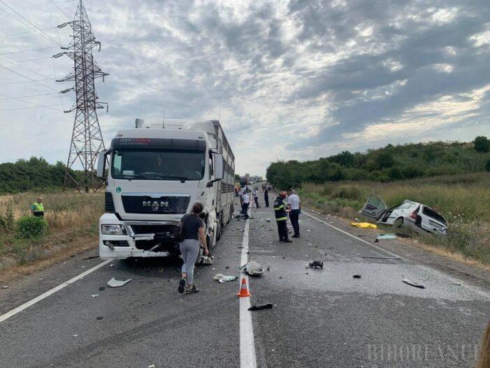 Impact teribil ! Accident mortal pe DN 19 Oradea – Carei (Foto)