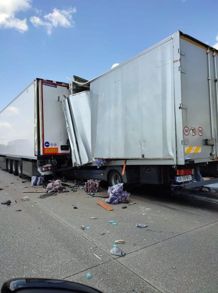 Camion inmatriculat în Romania, implicat într-un accident mortal în Cehia (Foto)