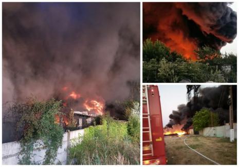 Incendiu devastator ! Un depozit a luat foc ! (Foto)