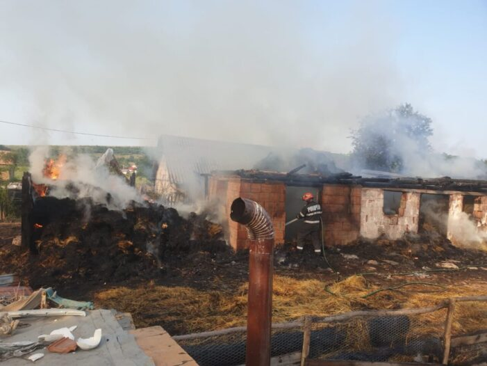 Anexa mistuita intr-un incendiu. Ce a cauzat prapadul ? (Foto)