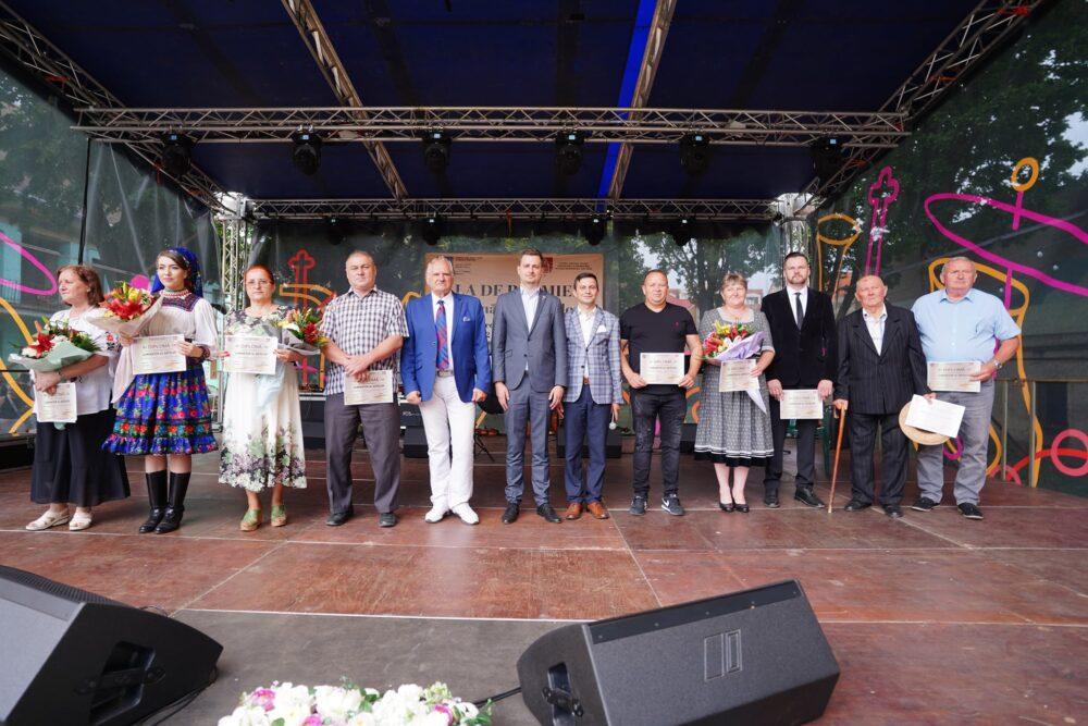 """Gala de premiere """"Luminatorii satelor"""". Cine sunt laureatii ? (Foto)"""