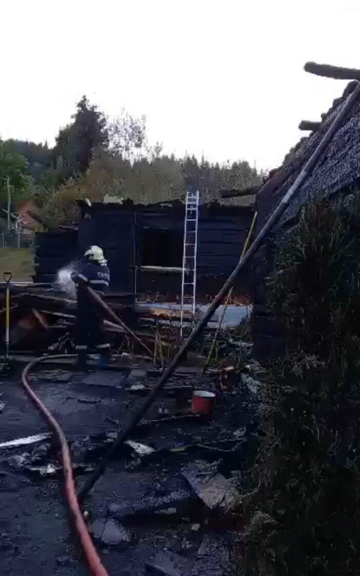 Prapad la Borsa. Cinci case mistuite de foc ! (Foto)