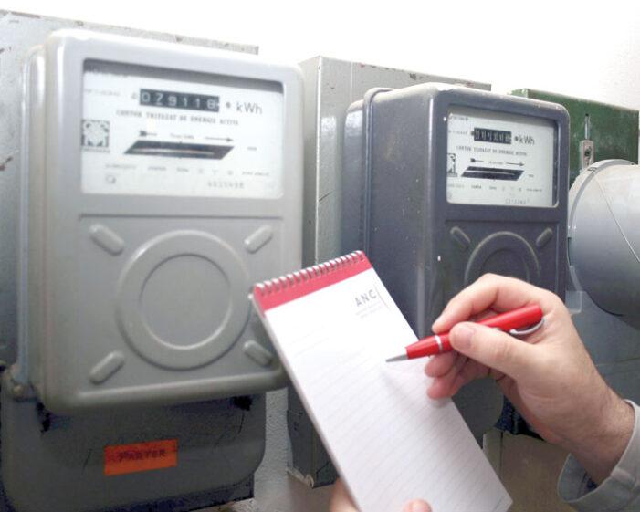 Românii datornici la curent și gaze au termen 3 luni să plătească