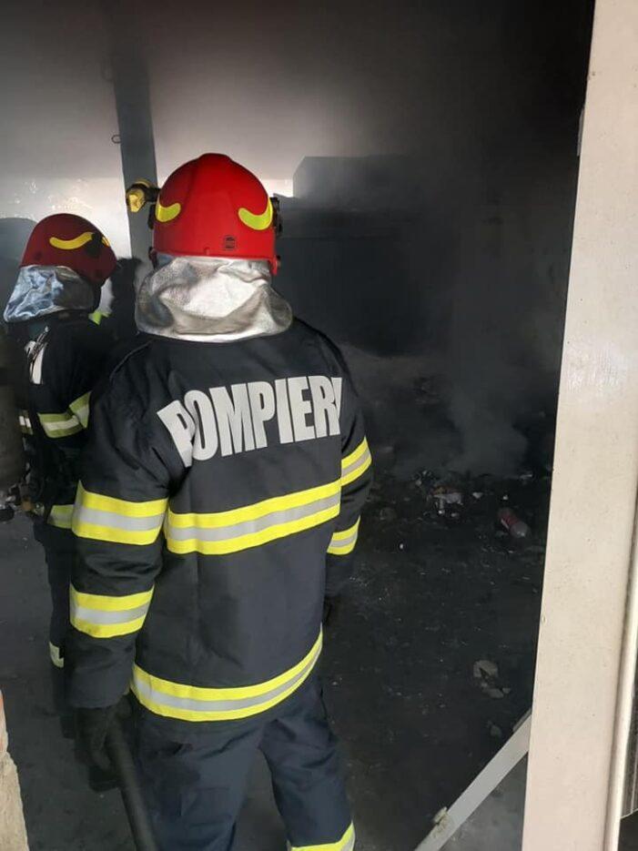 Incendiu la o fosta centrala termica din oras (Foto)