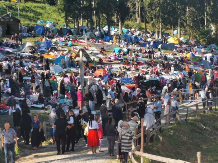 A inceput cel mai mare pelerinaj din Transilvania. Se asteapta peste 10.000 de oameni (Foto)