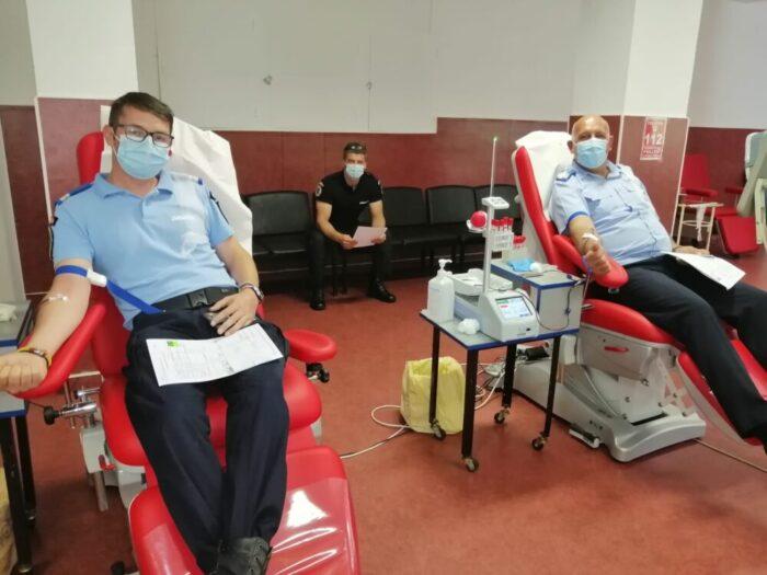 Jandarmii au donat sange pentru Rebeka