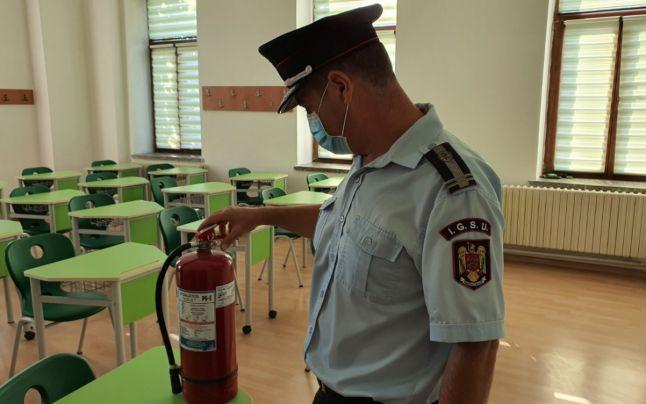 150 de corpuri de cladire apartinand scolilor din judet nu detin autorizatia de securitate la incendiu