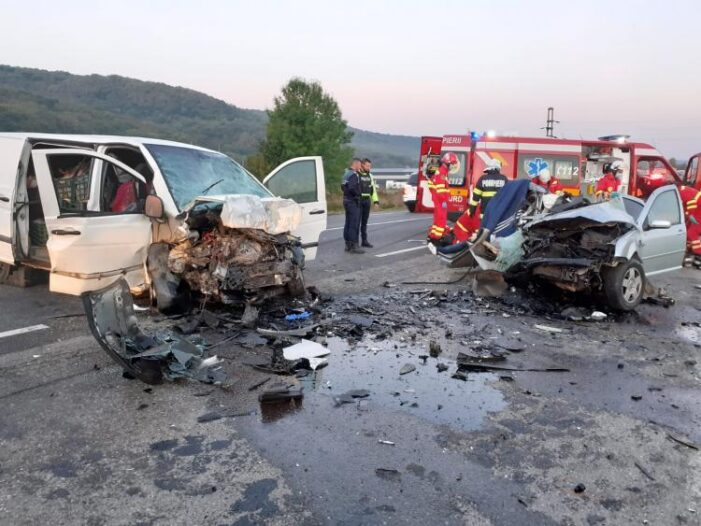 Accident cumplit ! Doi morti ! (Foto)
