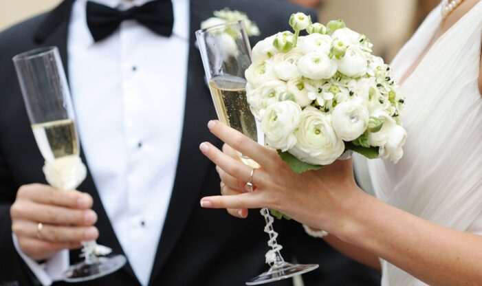 S-au înmulțit căsătoriile, au scăzut divorțurile
