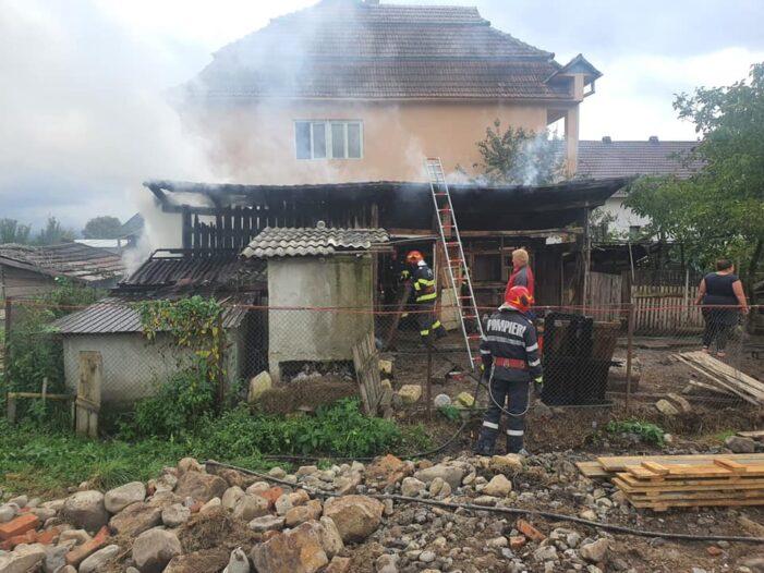 Incendiu la o anexa gospodareasca din Trip (Foto)