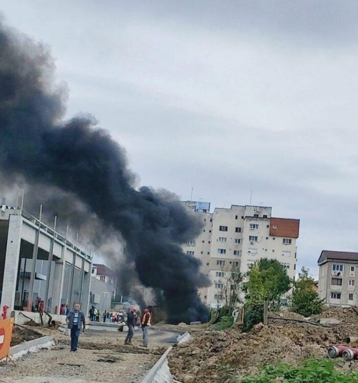 Explozie urmata de incendiu la noul mall din Baia Mare (Video)