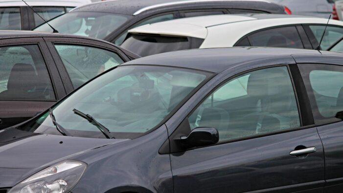 Înmatricularea și radierea mașinilor se va simplifica. Proiect trecut de Senat
