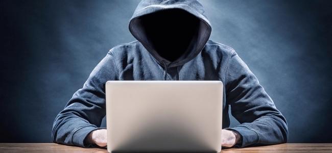 Atenție la conturile bancare ! Doua persoane înşelate pe internet !