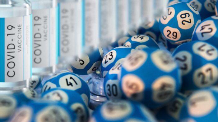 A doua extragere la Loteria de vaccinare are loc astazi