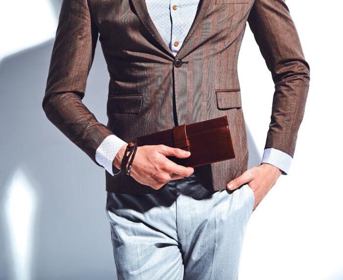 Ce cămaşă i se potriveşte unui tip sofisticat