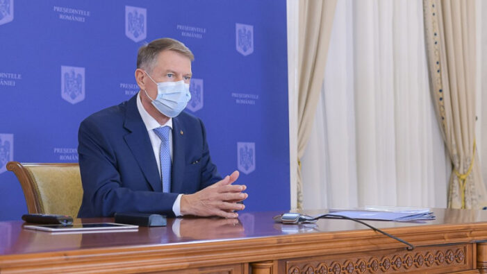 Klaus Iohannis: De luni noi restrictii ! Elevii intra in vacanta !
